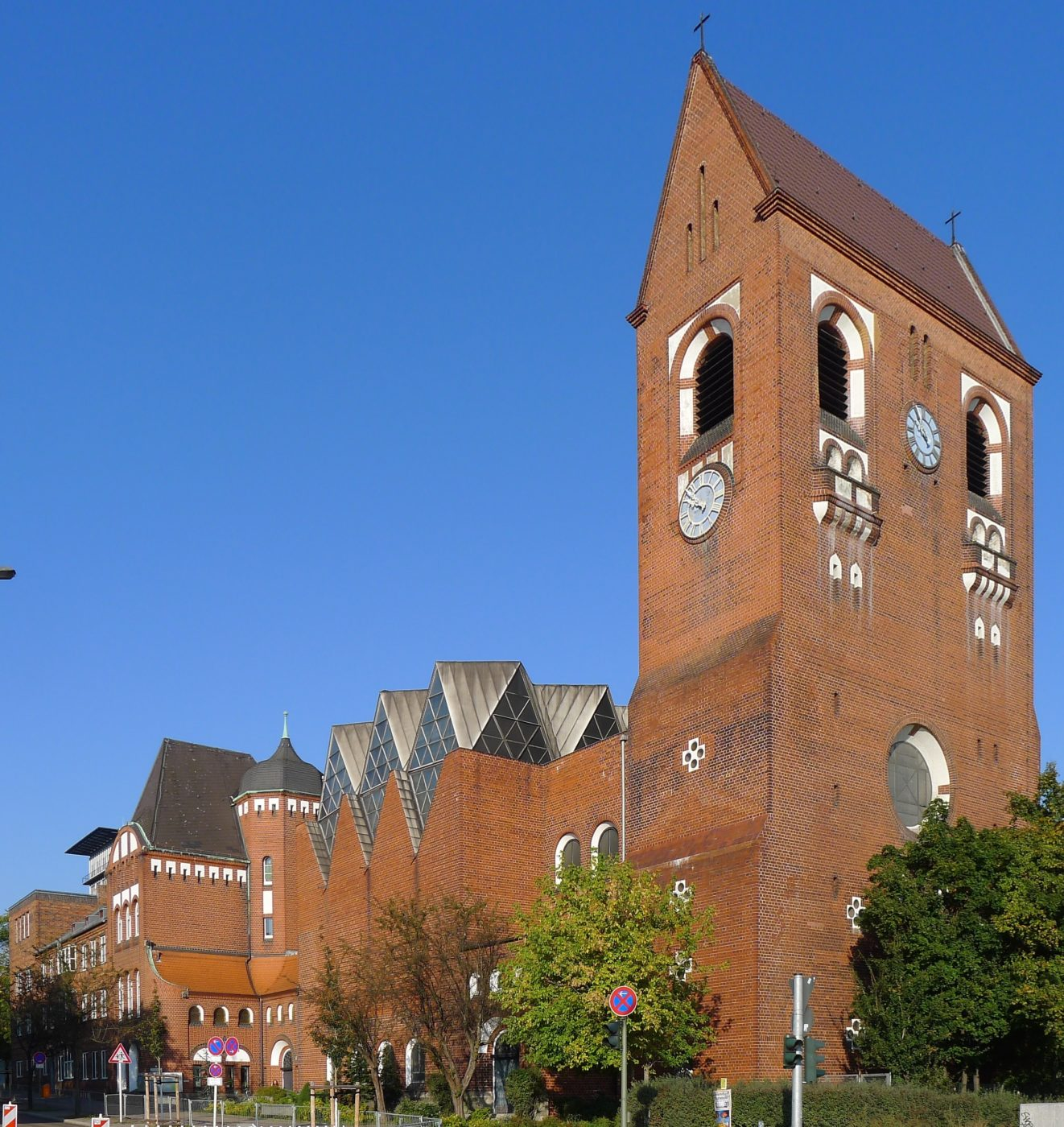 Epiphanien-Kirche Berlin (wikipedia)